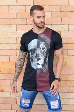 Camiseta Long Line Skull And Lion na internet