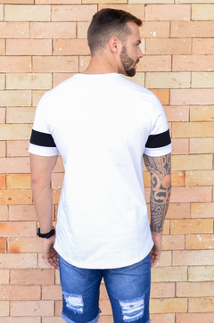 Camiseta Long Line White And Black - KS Store