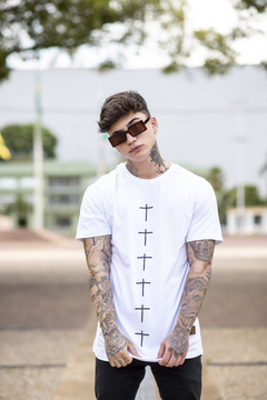 Camiseta Long Line White Crosses - comprar online