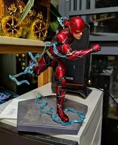 Action figure Flash Premium Model - comprar online