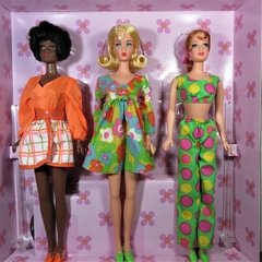 1968 My Favorite Barbie Mod Friends na internet