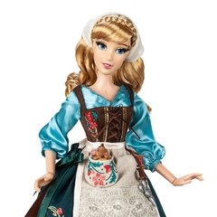 Cinderella 70th Anniversary Limited Edition Doll na internet