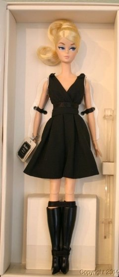BARBIE SILKSTONE CLASSIC BLACK DRESS na internet