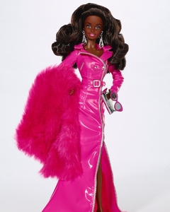 Moschino The Met Barbie doll (negra) na internet