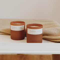 JUNKY CANDLE - Honey Suckle / Calm Fields / Floral figs / Green leaves