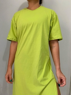 MAXI T-SHIRT DRESS VERDE LIMA na internet