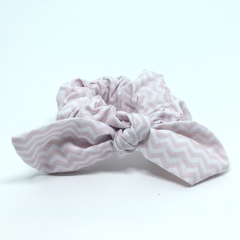 Scrunchie Estampado Chevron Rosa
