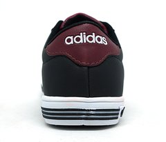 Tênis Adidas Daily Team K na internet