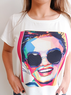 T-shirt Decote Redondo Estampa Girl Color - comprar online