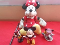 Mickey E Minnie Mouse Disney 4 Bonecos Sendo 1 Pelúcia