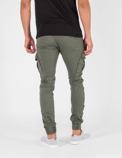 Pantalon Chad en internet