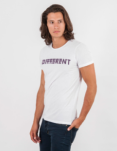 REMERA DIFFERENT - comprar online