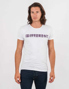 REMERA DIFFERENT
