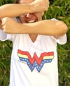 Remera escote V Wonder Woman (Outlet)