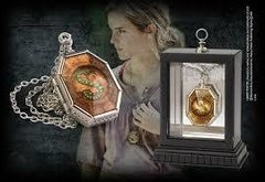 Medalhão Horcrux por Noble Collection - Harry Potter - comprar online