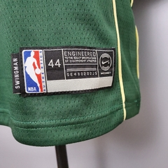 Regata Nike Milwaukee Bucks Personalizada (SILK) - Gold Sports