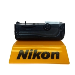 Battery Grip Aputure Bp-d11 - p/ Nikon D7000  Seminovo na internet