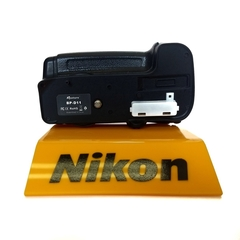 Battery Grip Aputure Bp-d11 - p/ Nikon D7000  Seminovo - loja online