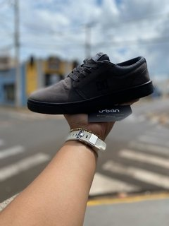 Tênis DC Shoes Cinza (Masculino) na internet
