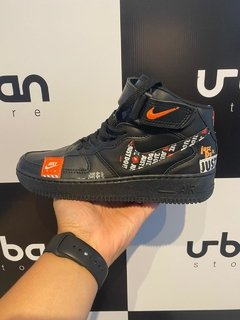 Tênis Nike Air Force 1 Mid Just do It Preto