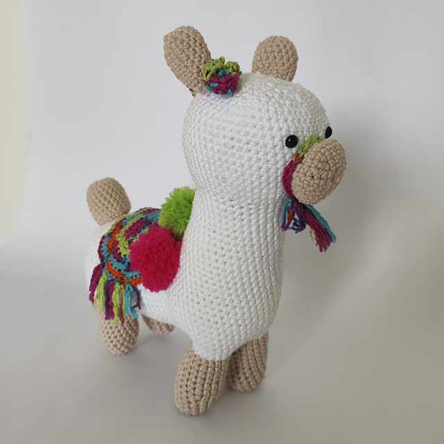 Amigurumi Alpaca Free Crochet Patterns | 640x640