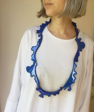 Collar Portrait Blue