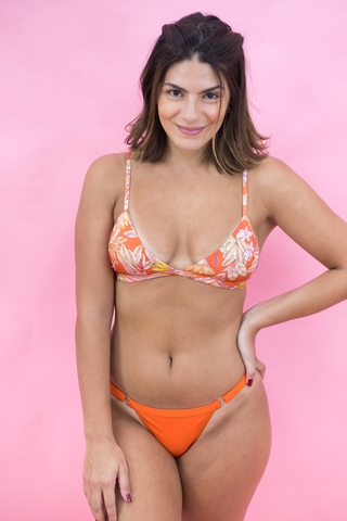 biquíni-top-estampado-laranja-tropical-look
