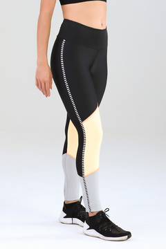 Legging Authenctic Run Blocks - Preta e Laranja - comprar online
