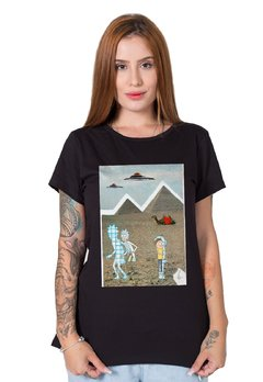 Camiseta Feminina Rick and Morty Collage na internet