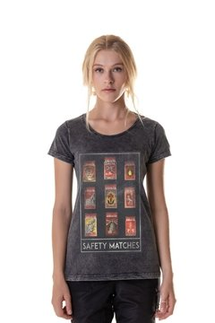 T-shirt Estonada Safety Matches  - Feminina