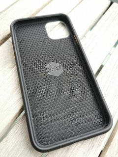 X-ONE Case Shock Dominator 3.0 iPhone 11 Pro Max na internet
