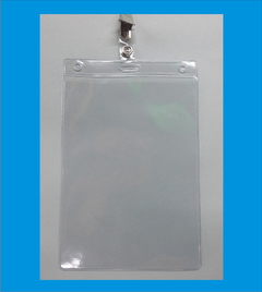 porta credencial 175x 115 mm transparent con 3 orificios x un NO INCLUYE BROCHE