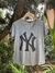 T-Shirt NY Yankees Decote V