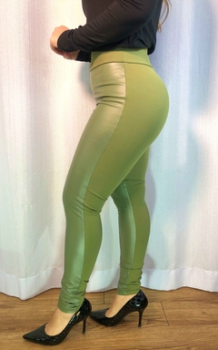 Calça Courino Verde Militar - Chris Evert