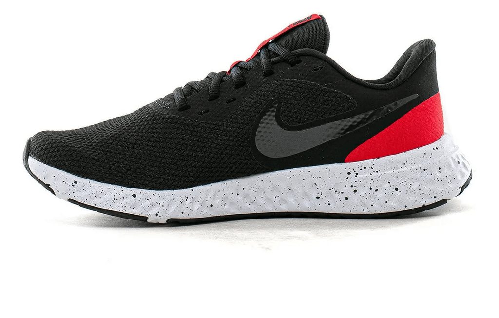 demanda Por Hora  Zapatilla Nike Revolution 5 - Negro/Rojo