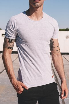 Remera Basic Slim Gris