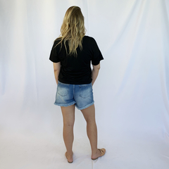 SHORTS JEANS BORDADO ROMANTIC - D1 Look