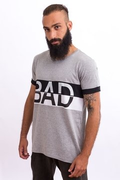 T-SHIRT BAD na internet