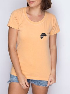 Camiseta Feminina Logo Mostarda - Up The Mountain