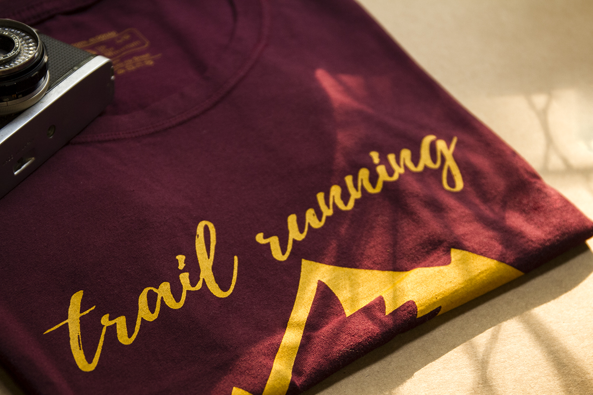 "Camiseta Feminina dobrada Trail Running Culture - Marca: "" Up The Mountain """
