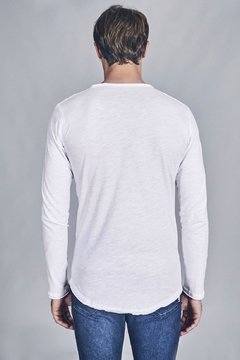 REMERA ESCOTE O POCKET R8F - comprar online