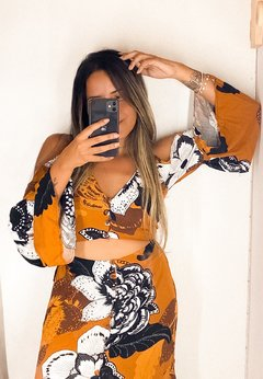 Cropped Bruma Leve Floral Caramelo