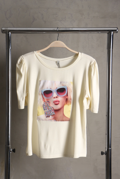 Camiseta Manga Princesa e Hot Fix - Branco