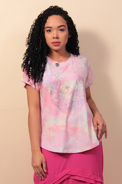 T-Shirt Tie Dye com Hot Fix - Rosa