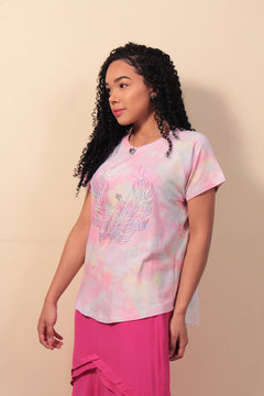 T-Shirt Tie Dye com Hot Fix - Rosa na internet