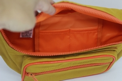 Pochete crossbody mostarda com forro impermeável - I wanna be your toy bolsas, mochilas e pochetes