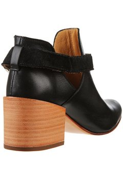 BOTAS ALLISON BLACK en internet