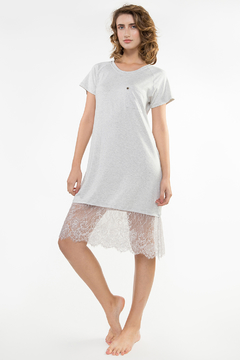T-Shirt Barra Renda Chantilly Lunar