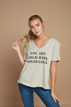 Remera Solid Gold en internet