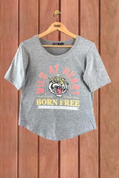 REMERA BORN FREE en internet